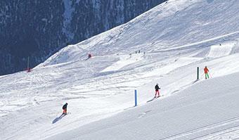 allestimento pista da sci snowboard The Cave - Carosello3000
